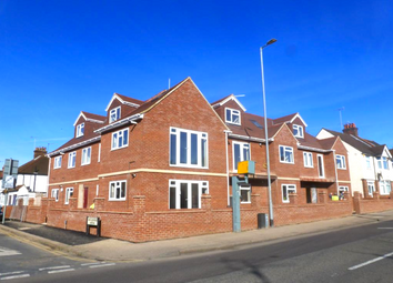 Thumbnail 4 bed flat to rent in Whippendell Road, Watford