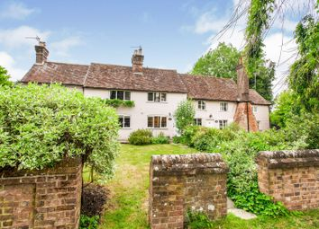 Thumbnail 2 bed cottage for sale in 44 Chipperfield Road, Bovingdon