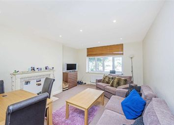 3 bed flat to rent in Kings Avenue, London SW4