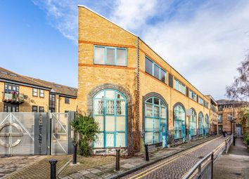 Thumbnail 2 bed flat for sale in Shacklewell Street, London