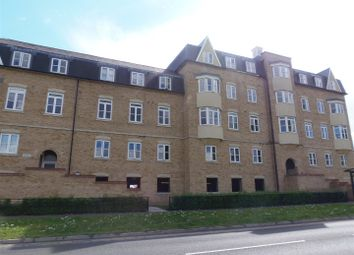 Thumbnail 2 bed flat to rent in Circular Road South, Colchester