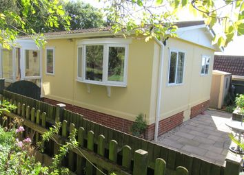 Thumbnail 2 bed mobile/park home for sale in Yewtree Park, Maidstone Road (Ref 5714), Charing, Kent