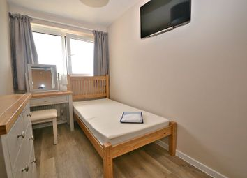 Thumbnail Property to rent in Arden Road, Furnace Green, Crawley