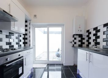 3 bed property for sale in Buxton Road, Walthamstow E17