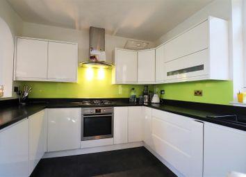 2 bed flat for sale in Oakfield Lane, Dartford DA1