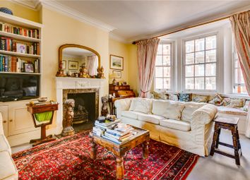 Avenue Court, Draycott Avenue, Chelsea SW3. 3 bed flat