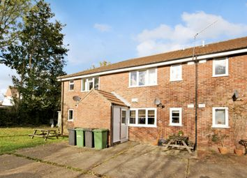 Thumbnail 1 bed flat to rent in Salisbury Close, Alton