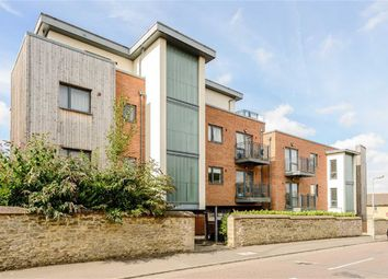 Thumbnail 2 bed flat for sale in Crescent Road, Cowley, Oxford