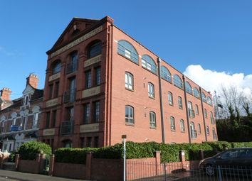 Thumbnail 2 bedroom flat to rent in Middle Street, Worcester