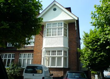 2 bed maisonette to rent in Woodstock Road, Golders Green, London NW11