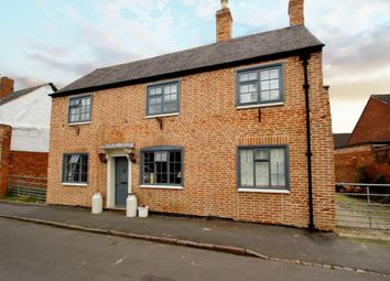 Thumbnail 4 bed cottage for sale in Turn Street, Syston, Leicestershire