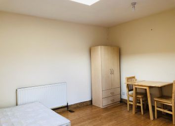 Thumbnail Studio to rent in Elmstead Road, Ilford