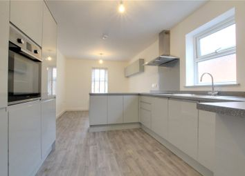 Thumbnail 2 bed flat to rent in Caversham Road, Reading