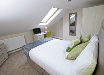 Thumbnail Room to rent in Waylen Street, Reading