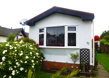 Thumbnail 1 bed mobile/park home for sale in Woodside Park Homes, Woodside, Luton