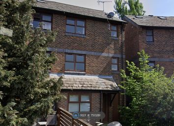 Room to rent in Windrose Close, Rotherhithe, London SE16