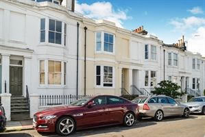Thumbnail 1 bedroom property to rent in West Hill Road, Brighton