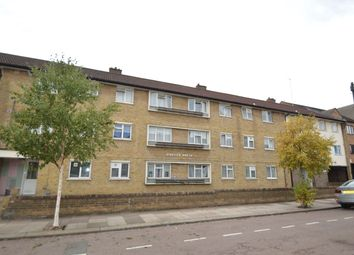 Thumbnail 3 bed flat to rent in South Grove, London