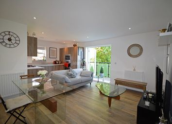 Thumbnail 2 bedroom flat for sale in Mill Hill East