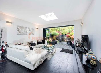 4 bed property for sale in Stanhope Gardens, London NW7