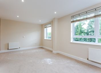 Marsh Road, Pinner HA5. 2 bed flat