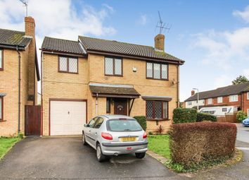 Thumbnail 5 bed detached house for sale in Fairlop Close, Calcot, Reading