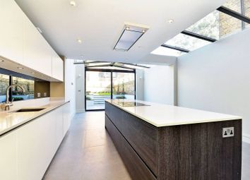 Thumbnail 6 bed terraced house to rent in Barclay Road, Fulham Broadway