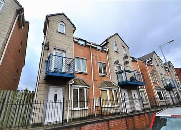 4 bed terraced house to rent in Dearden Street, Hulme, Manchester M15