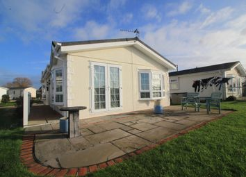 2 bed mobile/park home for sale in Kingfisher Close, Normans Bay, Pevensey BN24