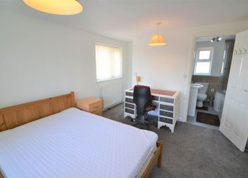 Room to rent in Welwyn Drive, Salford M6