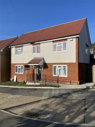4 bed property for sale in Unit 4, Hendon Gardens, Romford RM5