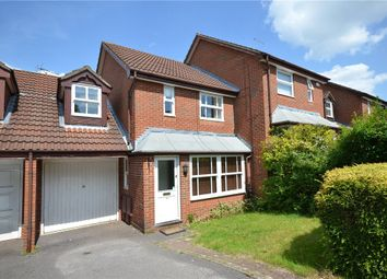 Thumbnail 3 bed link-detached house for sale in Lammas Mead, Binfield, Bracknell