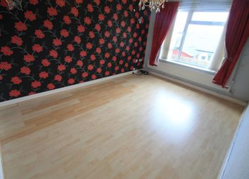 Thumbnail 1 bed maisonette to rent in Spear Close, Luton
