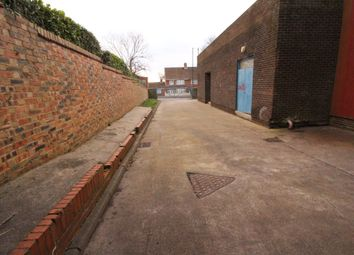 Parking/garage to rent in Business Centre, Whickham View, Benwell N15