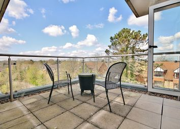 Constitution Hill, Woking GU22. 2 bed flat for sale