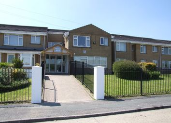 Thumbnail 2 bed flat to rent in Weavers Brook, Halifax