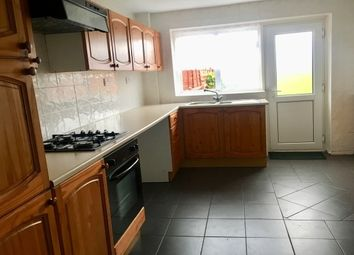 Thumbnail 3 bed property to rent in Fieldside, Bedford