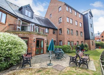 Thumbnail 1 bed flat for sale in Silk Lane, Twyford, Reading