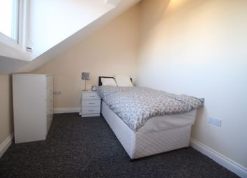 Thumbnail Room to rent in Room - Sussex Place, Slough
