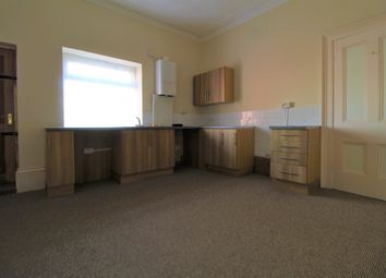 2 bed flat to rent in West Parade, Grimsby DN31