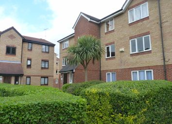 Thumbnail 2 bed flat to rent in Linwood Crescent, Enfield