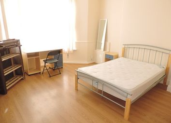 Thumbnail 2 bed flat to rent in Colum Road, Cardiff, South Glamorgan