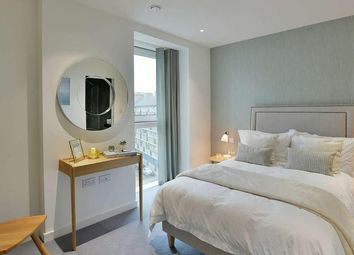 2 bed flat for sale in Woodberry Down