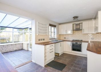 3 bed property to rent in Lucerne Avenue, Bicester OX26