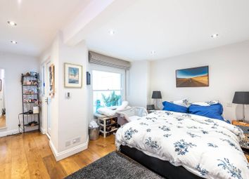 2 bed maisonette to rent in Westbourne Grove Terrace, Westbourne Grove, London W2