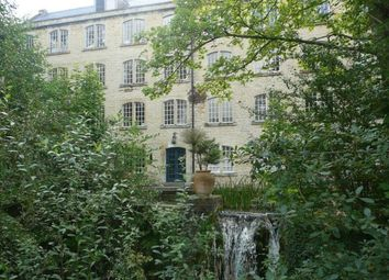 Thumbnail 2 bed flat to rent in Quemerford, Calne