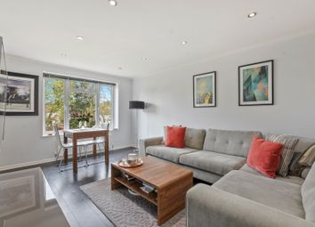 2 bed maisonette for sale in The Vale, London N14