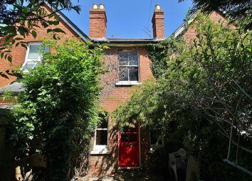 Thumbnail 2 bed cottage for sale in Horseshoe Road, Pangbourne, Reading