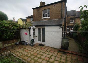 Thumbnail Studio to rent in Amberley Terrace, Villiers Road, Watford