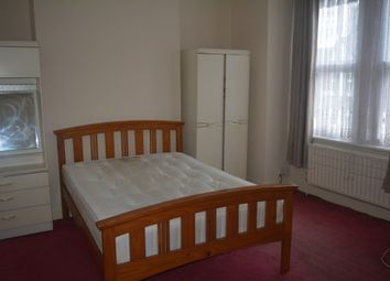 Thumbnail Room to rent in Benin Street, London